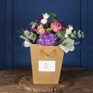 flores-dentro-bolsa-kraft-valencia
