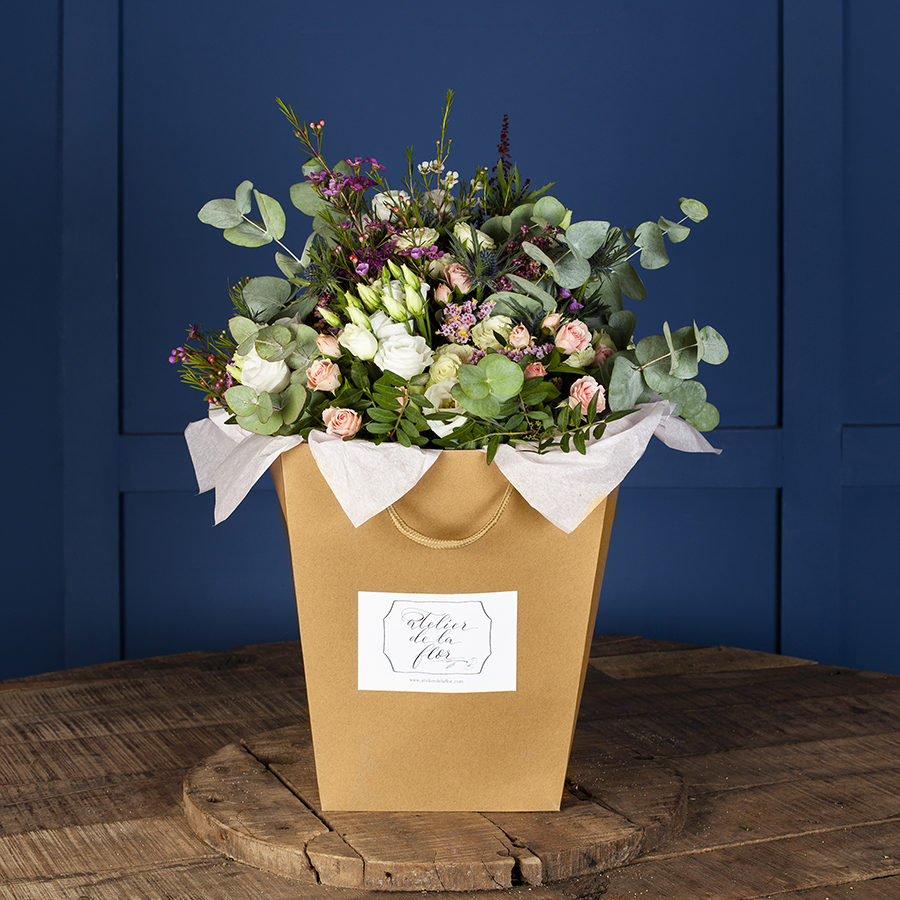 flores-en-bolsa-kraft