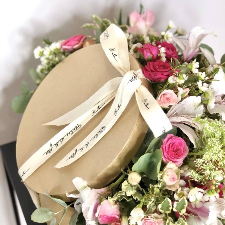 sombrerera-regalo-flores
